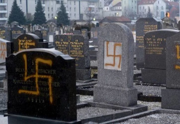 Judíos franceses se sienten cada vez más preocupados por el antisemitismo que se vive en el país. Cientos de tumbas fueron vandalizadas cerca de la frontera con Alemania. (Imagen ilustrativa/archivo Agencias)