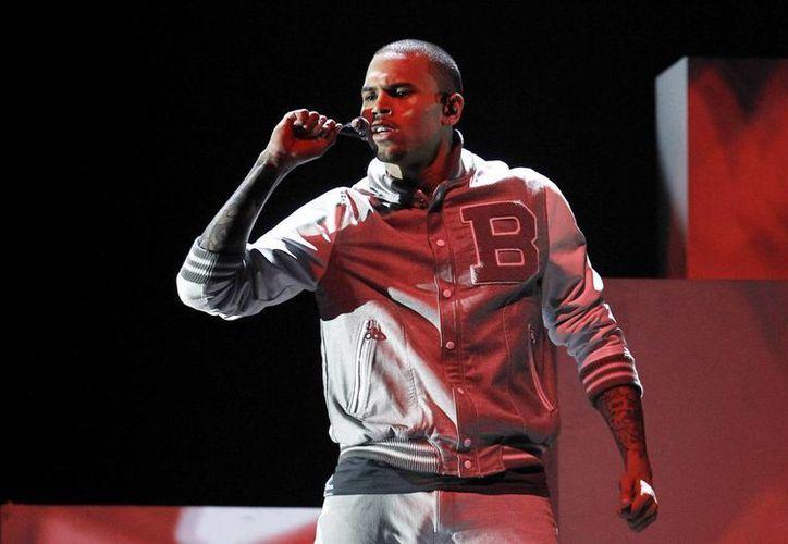 Chris Brown ha tenido muchos episodios de violencia con otras personas. (Agencias)