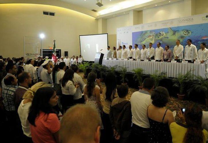 En el evento, participaron funcionarios de los tres niveles de gobierno. (Cortesía/SIPSE)