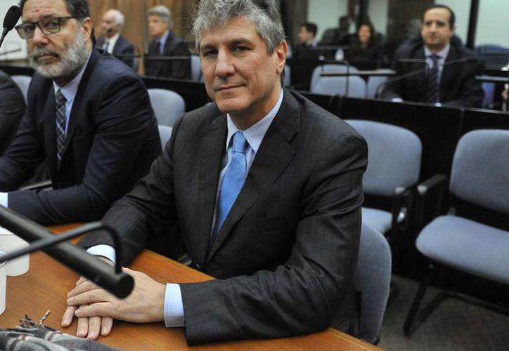 El exvicepresidente de Argentina, Amado Boudou fue condenado a cinco años y 10 meses de cárcel por actos de corrupción durante el gobierno de Cristina Kirchner.  (Clarín)
