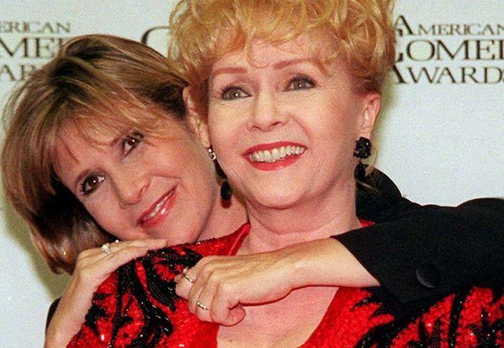 A unas semanas de su muerte, Carrie Fisher y Debbie Reynolds recibirán un homenaje con el estreno de la nueva serie.(Archivo/AP)