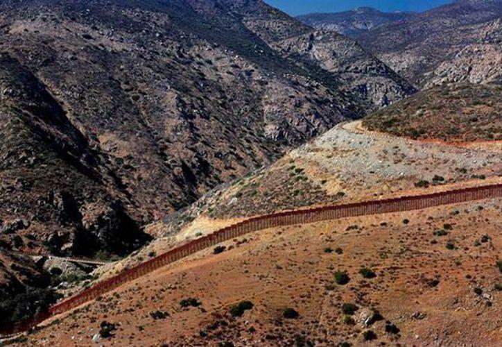 La Patrulla Fronteriza ha identificado más de 200 muertes en la zona por las condiciones hostiles del desierto. (Archivo/Notimex)