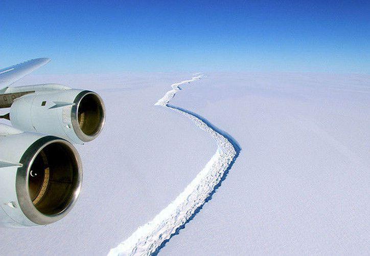 La Organización Metereológica Mundial divulgó este lunes uno de los mayores récords de altas temperaturas en el territorio continental de la Antártida. (NASA)