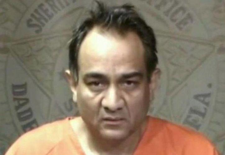 El cirujano Manuel Alvarado fue detenido el 22 de octubre pasado tras asegurar que llevaba consigo explosivos C-4. (El Nuevo Herald)