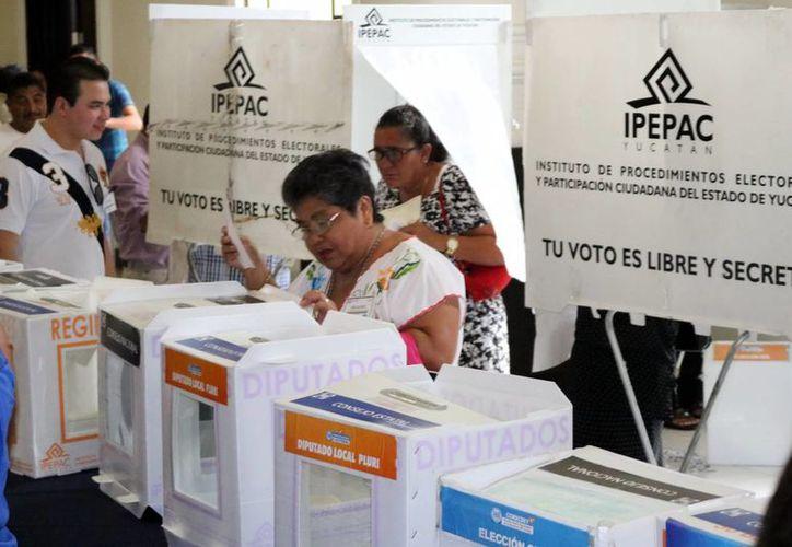 Ayer votaron más de un millar de militantes blaquiazules en Mérida. (Milenio Novedades)