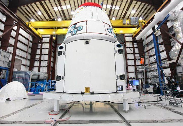 En la imagen, el dispositivo SpaceX antes de salir rumbo al espacio en Cabo Cañaveral. (nasa.gov)