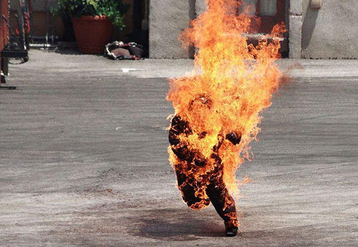 La autopsia reveló que el hombre falleció a causa de las quemaduras. (RT)