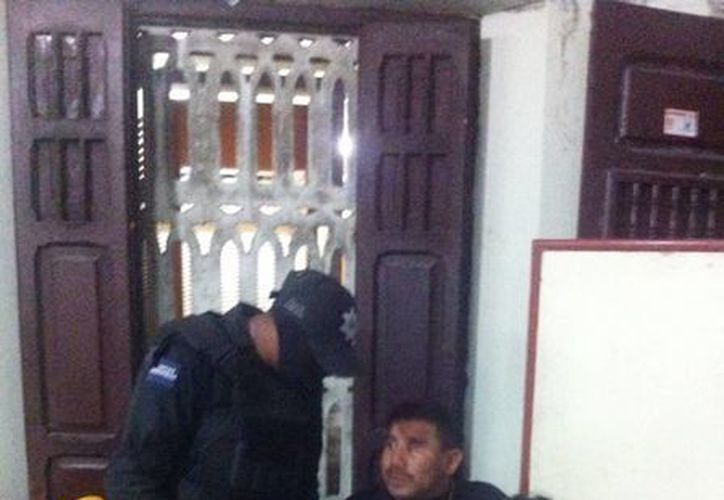 Los bares y cantinas de Progreso fueron inspeccionados por los elementos policiacos. (Milenio Novedades)