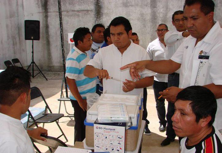 Los reclusos recibieron vacunación preventiva, detección de VIH SIDA, valoraciones por hipertensión, diabetes y sobrepeso. (Manuel Salazar/SIPSE)