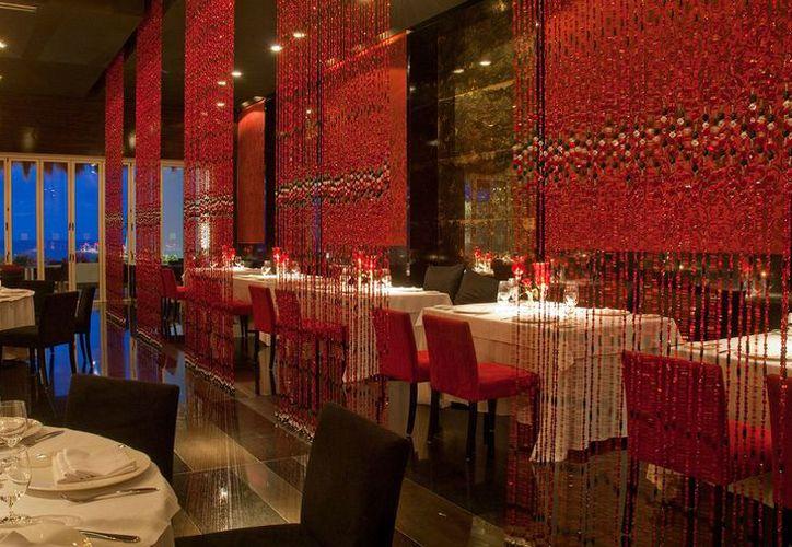 El restaurante Piaf está a cargo del chef Mario Soto y del Director Culinario de Velas Resorts, el renombrado chef Michel Mustière. (Redacción/SIPSE)
