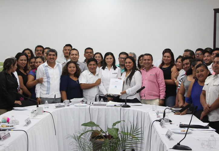 En sesión aprobaron la constitución de Confianza por Quintana Roo y Movimiento Auténtico Social. (Joel Zamora/SIPSE)