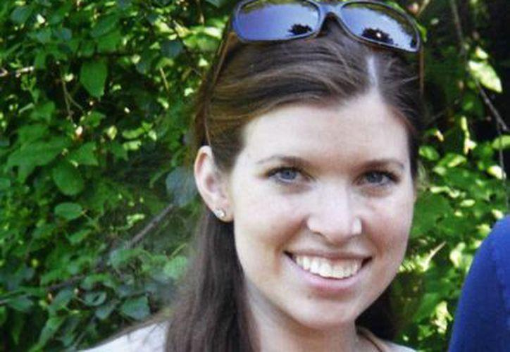 Collen Ritzser era una profesora muy respetada y querida en la secundaria Danvers. (Agencias)