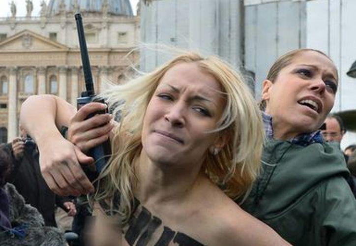 """Inna Shevchenko es famosa por protestar haciendo """"topless"""" en lugares públicos alrededor del mundo. (eltiempo.com)"""
