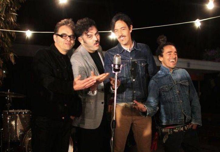 La banda Café Tacvba ya no presentará la canción que los llevó al éxito, debido a que la letra induce al feminicidio.(Notimex)