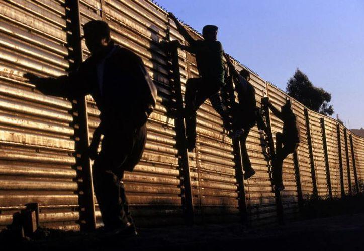 En Panamá la regularización de los inmigrantes tiene costo: se pagan casi 2,600 dólares para no tener problemas con las autoridades. (Agencias/Archivo)