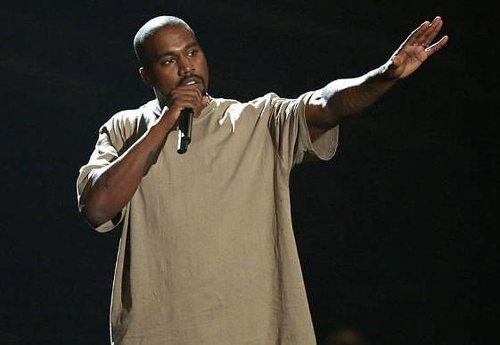 Kanye West hizo que sus usuarios se suscriban al servicio de streaming, propiedad del rapero Jay-z. (AP)