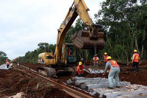 Supervisa RZB la rehabilitación de la vía férrea Chiapas-Mayab
