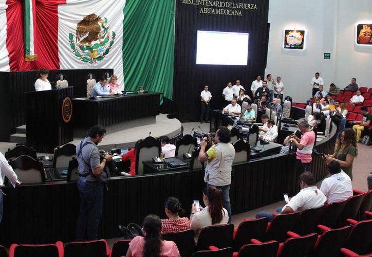 Todos los legisladores, excepto los del Partido verde Ecologista de México, avalaron la moción. (Joel Zamora/SIPSE)