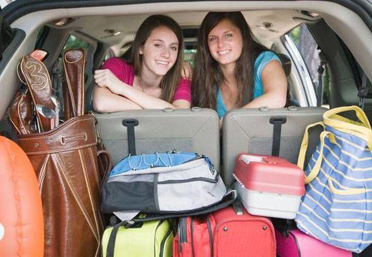 Recuerda que el costo de transporte varía si viajas en automóvil propio, rentado, autobús o avión. (Contexto/Internet)