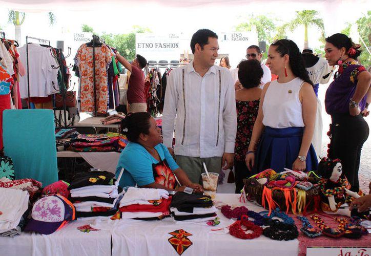 Los artesanos tienen puesta su confianza en las próximas vacaciones de verano. (Adrián Barreto/SIPSE)