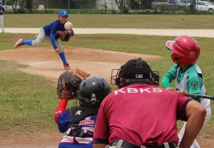 Tensas batallas se vivirán en la jornada siete de la Liga de béisbol infantil y juvenil Vinicio Castilla. (Raúl Caballero/SIPSE)