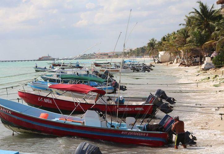 Los miembros de la Cooperativa Turística del Mar Caribe han solicitado nuevamente permisos de pesca a la Conapesca. (Adrián Barreto/SIPSE)