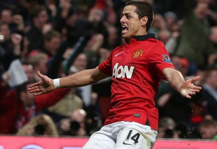 El Manchester United utiliza al 'Chicharito' Hernández como anzuelo para atraer inversionistas mexicanos al club. (Facebook/Manchester United)