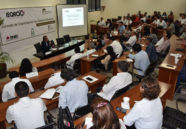 Ayer arrancó la primera jornada de capacitación en Derecho Electoral en la ciudad de Chetumal y que continuará el jueves y viernes de esta semana.