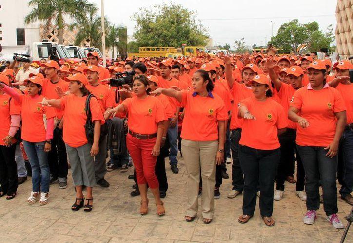 Personal de Protección Civil ha realizado diversos simulacros en escuelas y otros edificios públicos. (Christian Ayala/SIPSE)