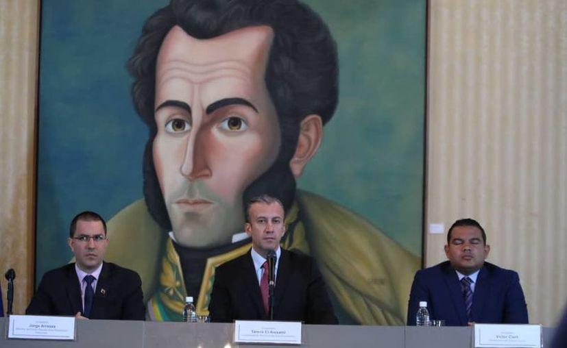 """El vicepresidente del Área Económica en Venezuela aseveró que se reiniciarán """"las relaciones de respeto con países hermanos"""". (Foto: Twitter/@ViceEconomia)"""
