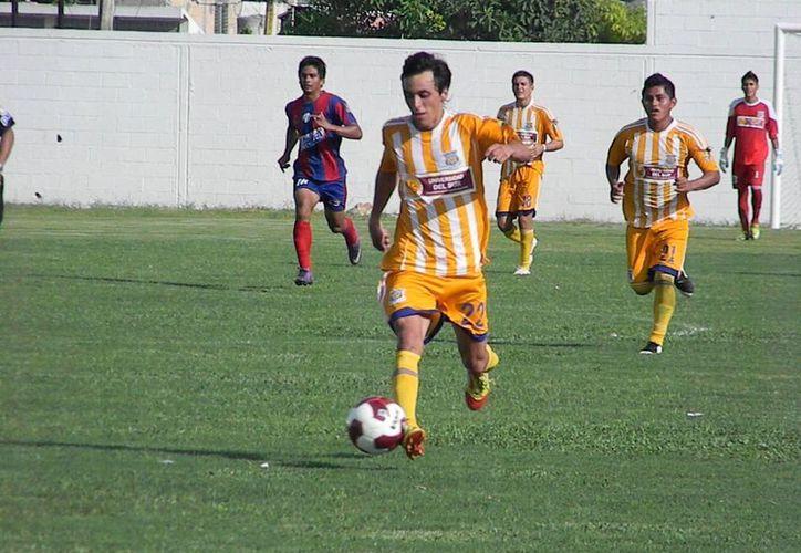 El equipo no regresó a casa, viajó a Veracruz para continuar con su preparación en su doble gira como visitante. (Ángel Mazariego/SIPSE)