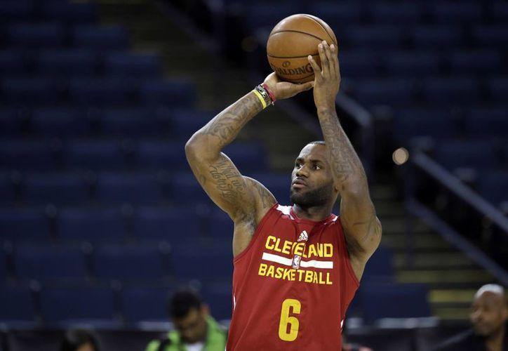 Este jueves, el astro de los Cavaliers, LeBron James jugará su séptima final a lo largo de su amplia carrera. Sin duda un logro poco común en la NBA. (AP)