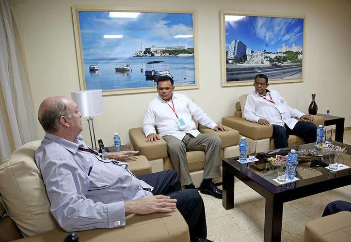 Tras la visita del gobernador Rolando Zapata a la Feria Internacional de La Habana se acordó que Yucatán tendrá una oficina comercial en Cuba. (Fotos cortesía del Gobierno estatal)
