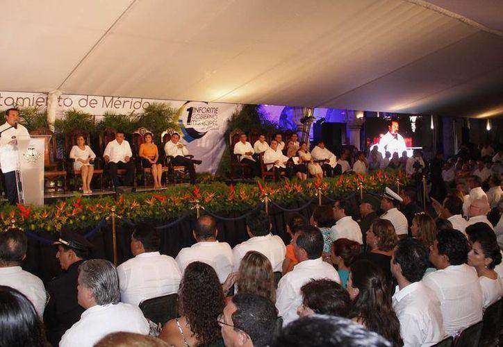 El alcalde Renán Barrera dijo que el reto para su administración es ser más eficientes. (Juan Albornoz/SIPSE)
