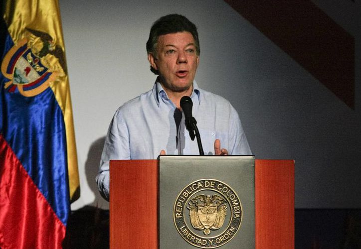 El presidente advirtió que continuarán las ofensivas contra la guerrilla. (EFE)