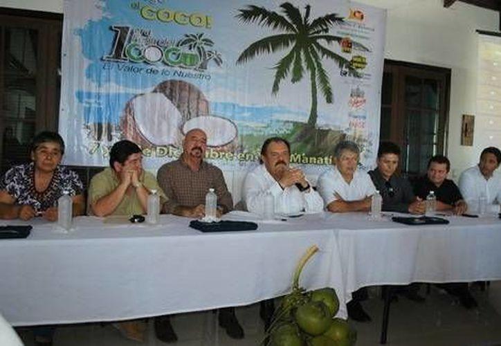 El evento es organizado por el Ayuntamiento de Othón P. Blanco con la colaboración de la Unión de Productores de Coco y Derivados de Quintana Roo. (Cortesía/SIPSE)