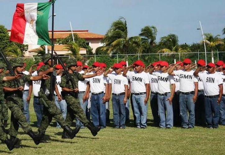 El Servicio Militar Nacional invitó a los jóvenes a realizar el trámite para obtener la precartilla. (Redacción/SIPSE)