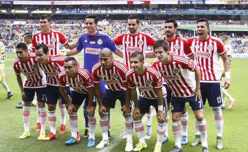 El club Chivas de Guadalajara, parte de la disputa legal entre los empresarios Jorge Vergara y Angélica Fuentes, vale 345 mdd según Forbes. (Notimex)