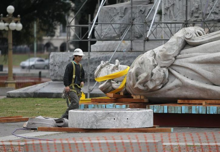 En junio pasado, el gobierno nacional ordenó retirar la estatua para restauración. (EFE)