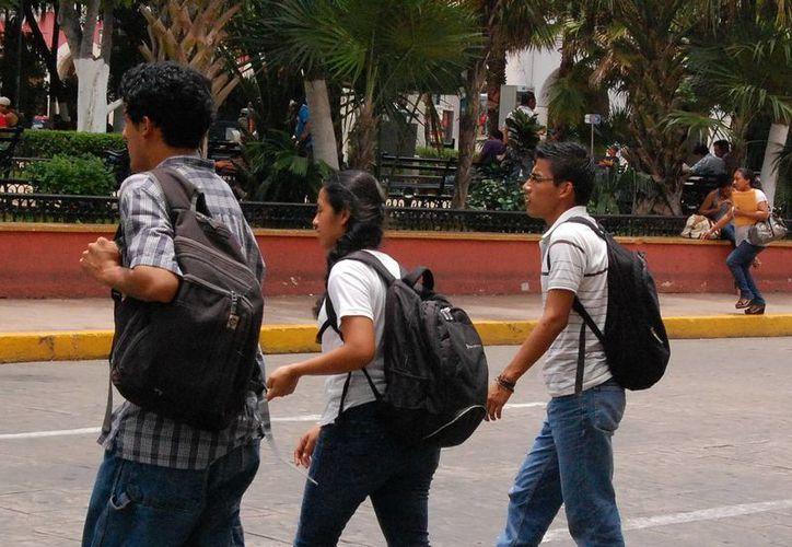 Existen más de 645 mil personas de entre 12 y 29 años edad, en la Entidad. (Milenio Novedades)