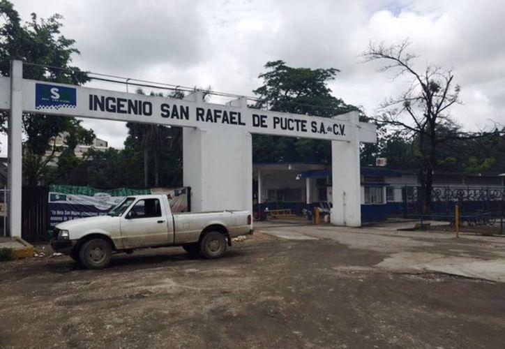 Cada año se realizan este tipo de reparaciones al interior de la industria azucarera. (Edgardo Rodríguez/SIPSE)