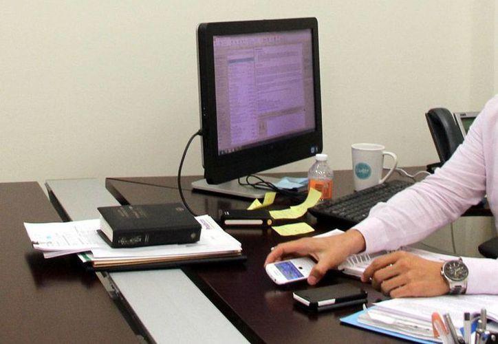 Los contribuyentes todavía tienen problemas para la utilización de la factura electrónica, por lo que han recibido multas por parte del SAT. La imagen es sólo de contexto. (Milenio Novedades)