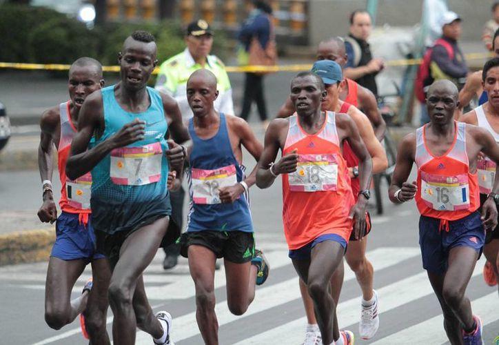 En el maratón de la Ciudad de México se rompió la hegemonía de los kenianos. (Notimex)