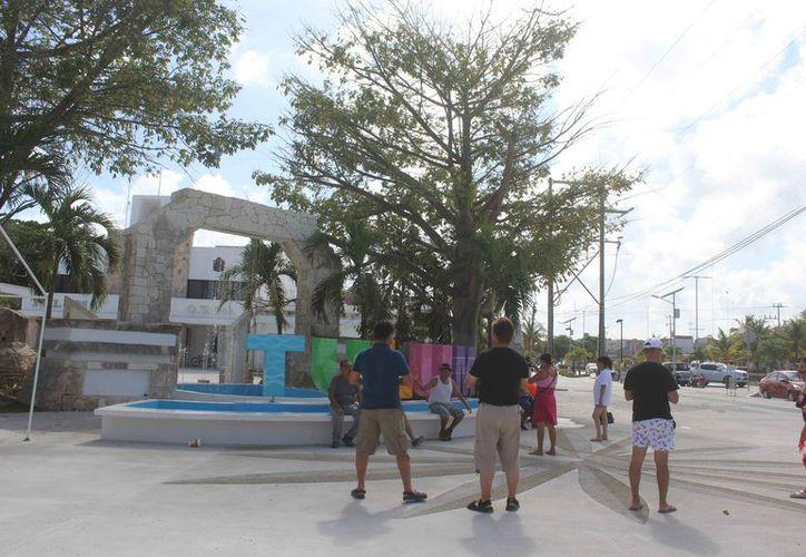 La fuente está ubicada frente al Palacio Municipal. (Sara Cauich/SIPSE)