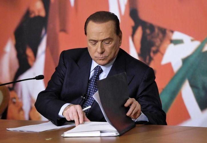 """Silvio Berlusconi dijo que sus rivales políticos no """"han ganado definitivamente"""" la batalla con su expulsión. (Archivo/EFE)"""