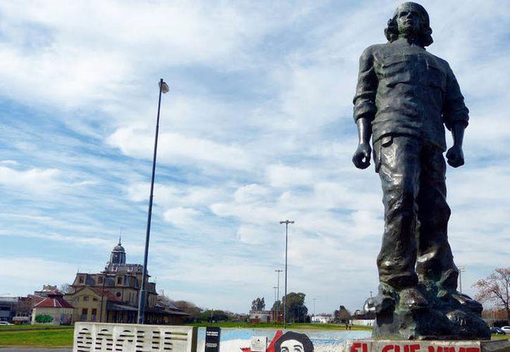 Activistas consideran que el 'Che' Guevara lo único que dejó es masacres y violencia con su comunismo. (Foto: Internet).