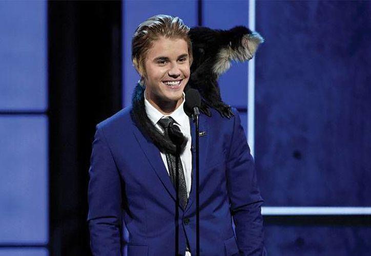 Tras las declaraciones de Justin Bieber donde admitió que quiere un nuevo mono como mascota, un centro pro animal de Costa Rica ofreció un viaja al canadiense para que aprenda sobre estos animales. (Archivo AP)
