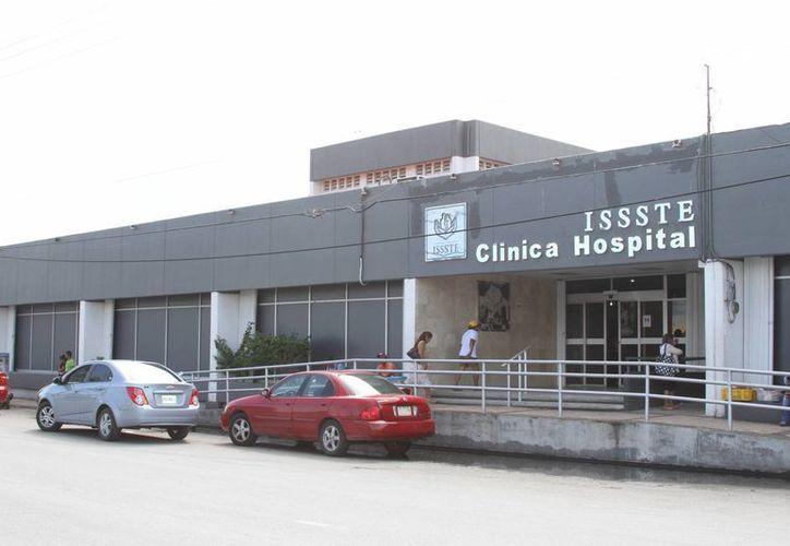 En la institución, sólo tienen contratado a un camión para trasladar a los pacientes. (Foto: Redacción)