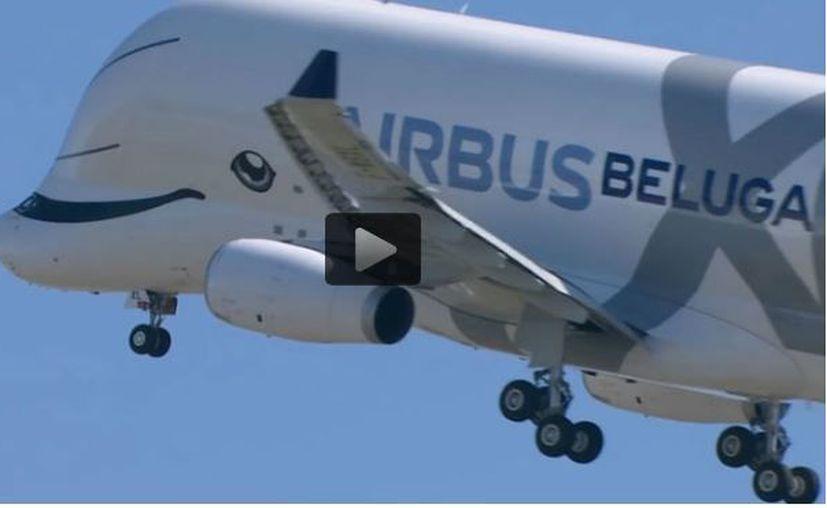 Vuela una ballena de Airbus. (Foto: Captura video)