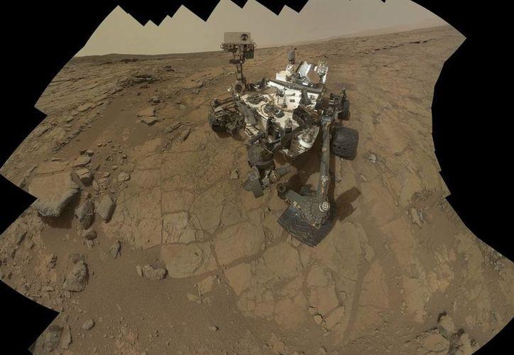 Al analizar una roca sedimentaria, la sonda Curiosity halló evidencias del antiguo lago de agua teóricamente potable. (Agencias)